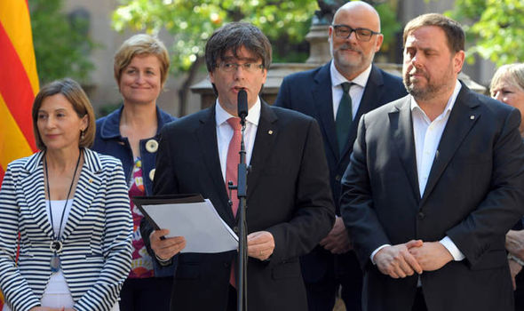 Carles-Puigdemont-bids-for-Catalan-independence-815014